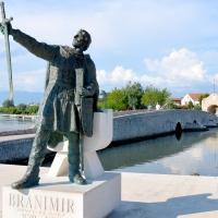 Nin---pomnik-Branimir