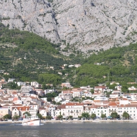 Makarska---widok-od-strony-morza