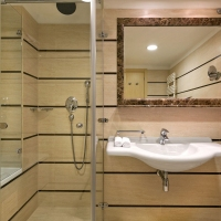Standard-bathroom-Le-Meridien-Split